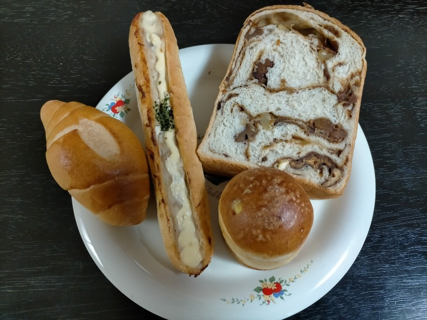 50種類以上のバラエティ豊かなパンを楽しめる!              ぱん工房 菜の実