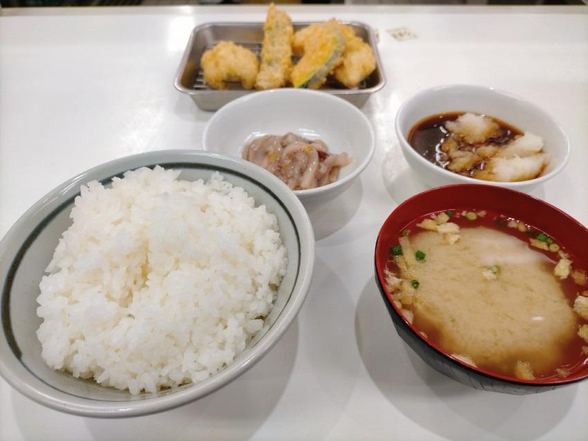 福岡県民なら誰もが知っているコスパ最強の天ぷら屋!天麩羅処ひらお 久山店