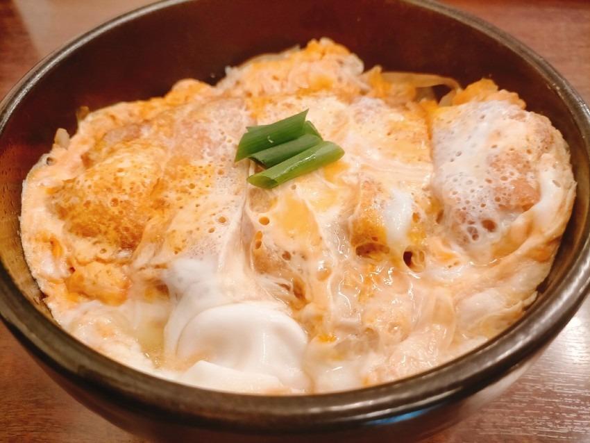 うどんの出汁で作る優しい味わいのお鍋もおすすめ うどん『秋月』