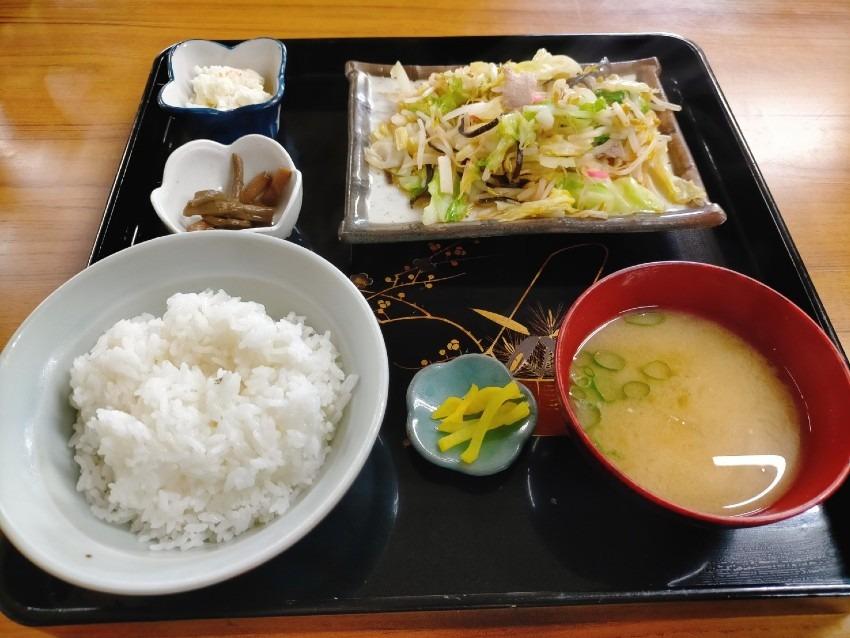 赤坂小梅さんの実家でも有名で創業150年以上の歴史を持つ人気の大衆食堂!向山食堂