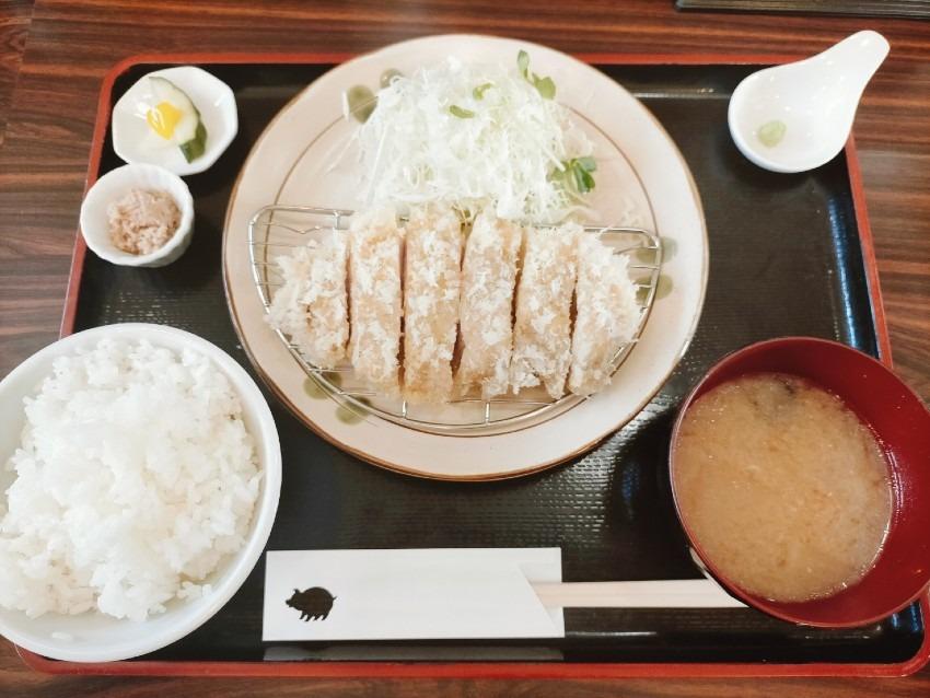 地元の農家さんがこだわって作ったお米や野菜も美味しい!こぶたさんがころんだ。