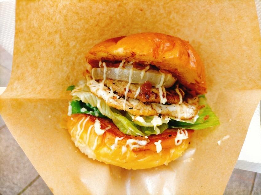 ミルポワを使用した野菜の優しい味わいが特徴の手作りソースのハンバーガー!アサノデリカ(あさのでりか)