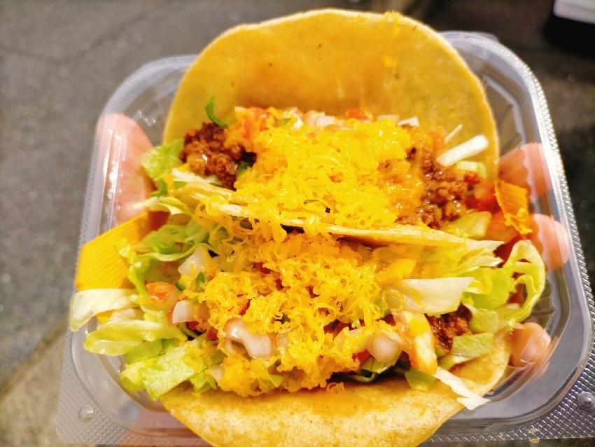 本場メキシコさながらの本格タコスが味わえる!TIQUITA TACO(チキータ タコス)